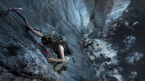 Shadow of the Tomb Raider Lara climbing