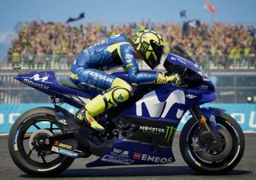 MotoGP 18: The Official Video Game blue bike helmet
